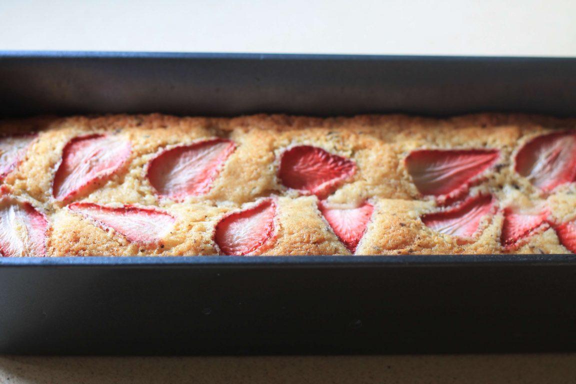 עוגת תותים ושוקולד מריר