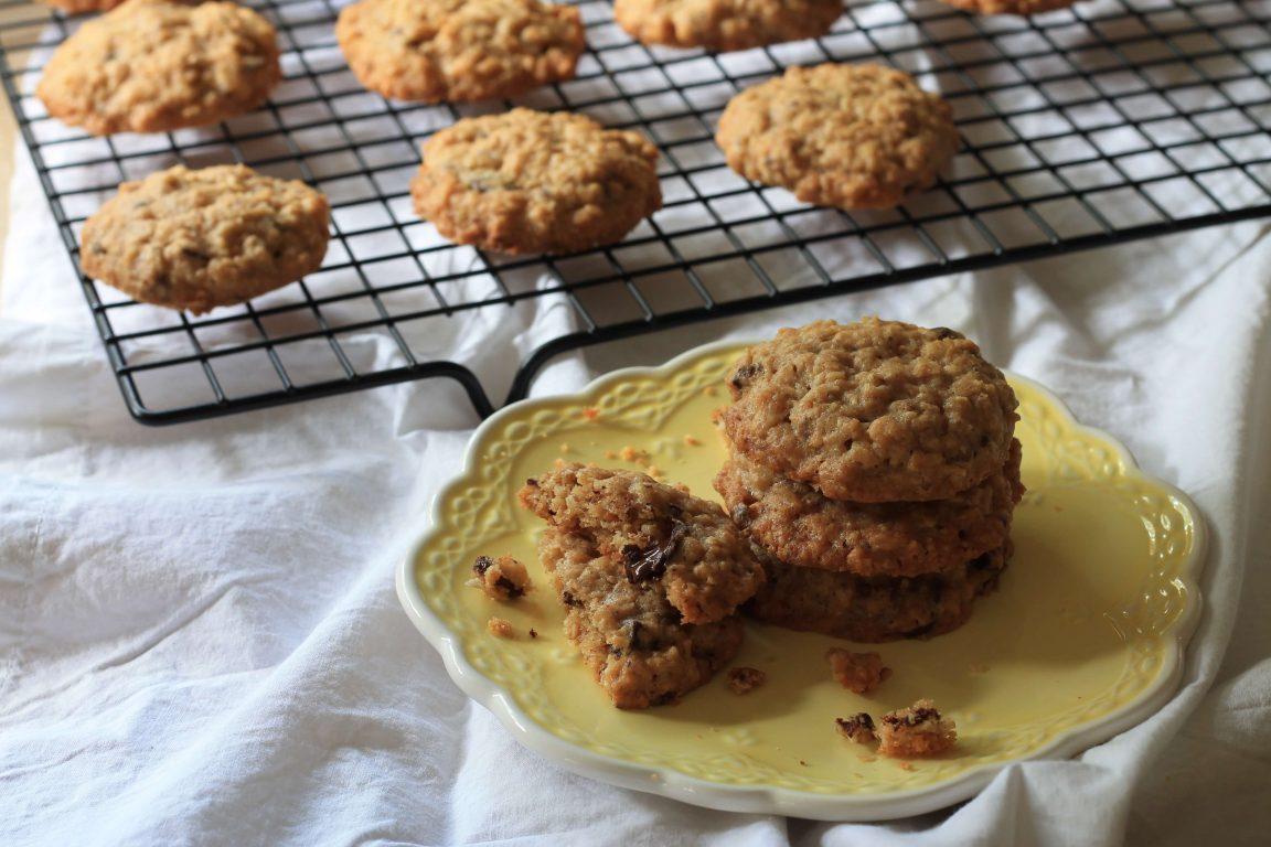 עוגיות שיבולת שועל, אגוזי מלך ושוקולד מריר