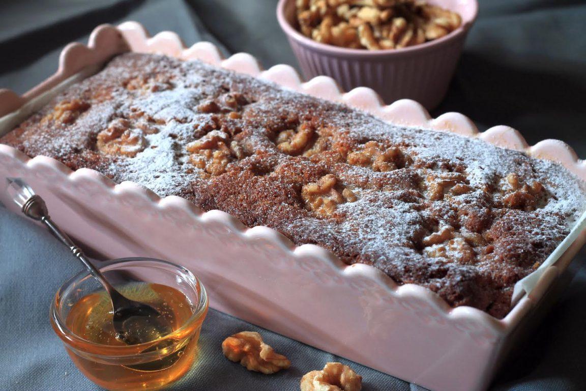 עוגת דבש ואגוזי מלך
