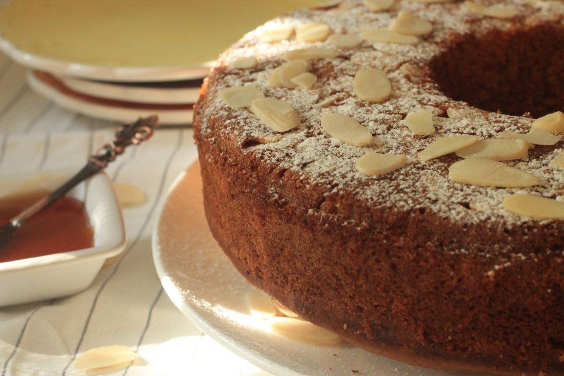 עוגת דבש ומרציפן