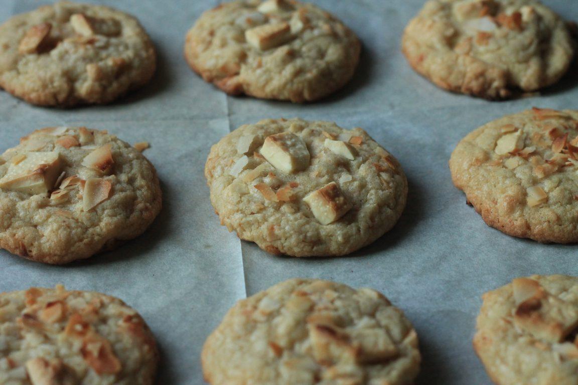 עוגיות קוקוס ושוקולד לבן