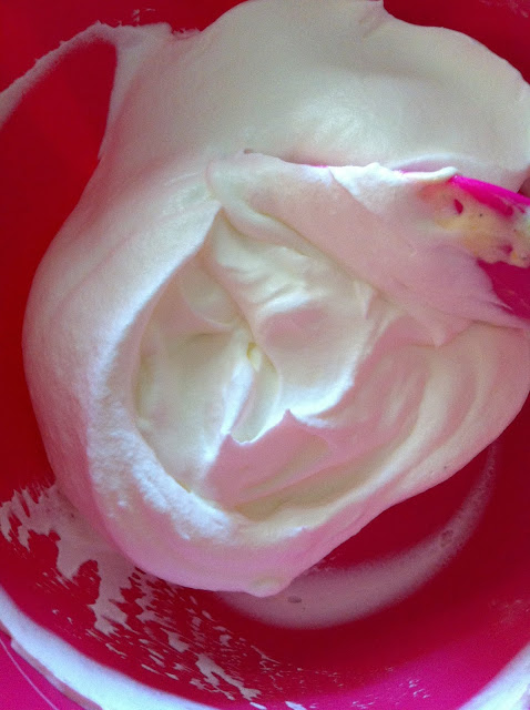 מוס דבש - שוקולד לבן לשנה מתוקה