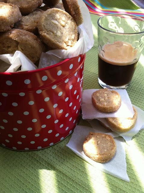 עוגיות אספרסו - שקדים