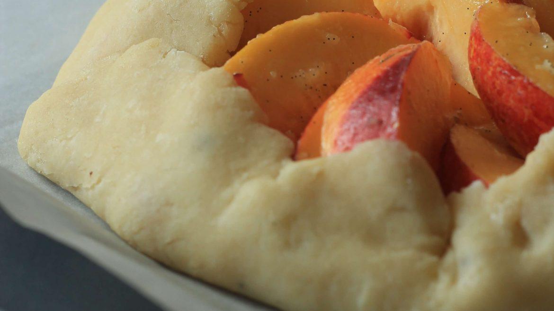 טארט אפרסקים בקרם שקדים