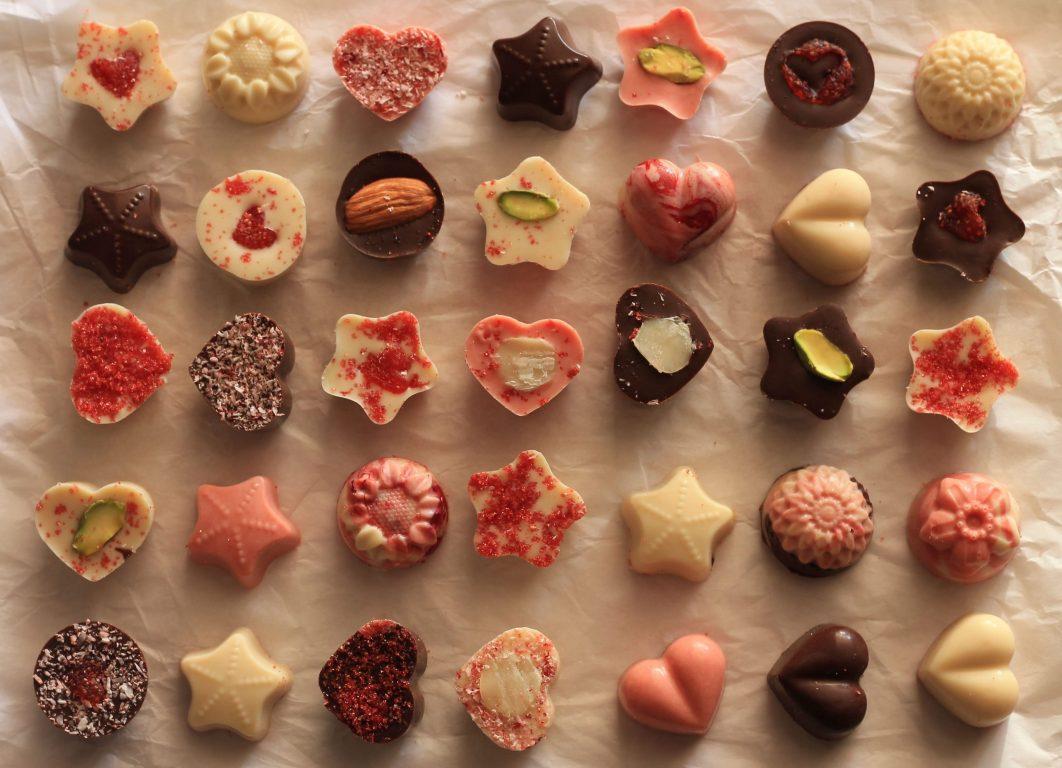 פרלינים מחמאת קוקוס ושוקולד