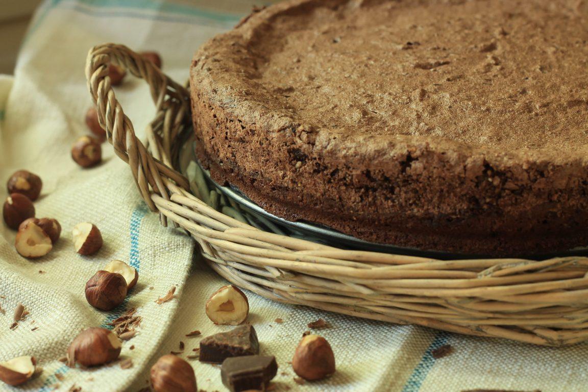עוגת שוקולד ואגוזי לוז לפסח