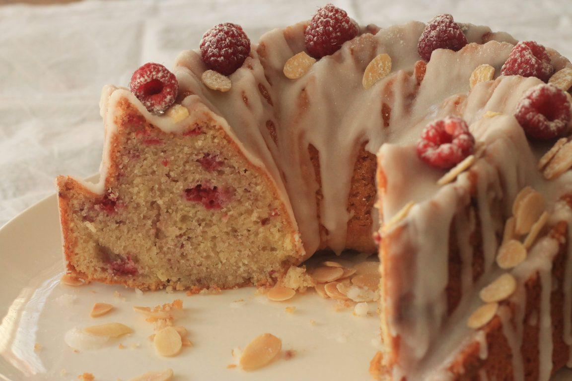 עוגת שקדים ופטל