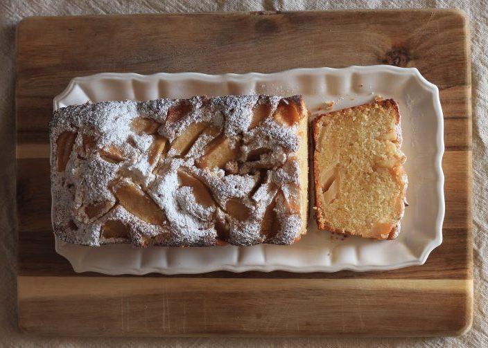 עוגת תפוחים וסולת