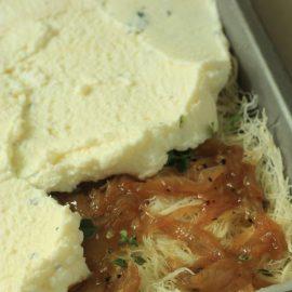 כנאפה מלוחה במלית גבינה ובצל מקורמל