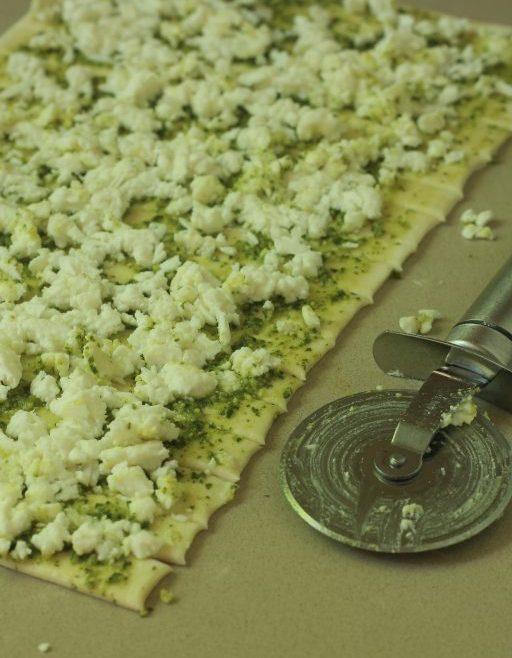ספירלות פסטו וגבינה בולגרית