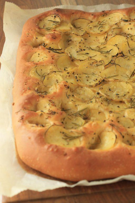 פוקאצ'ה תפוחי אדמה ורוזמרין