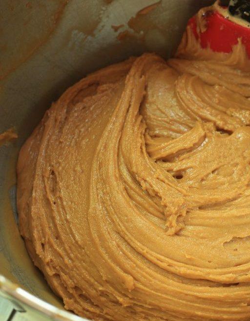 מדוביק - עוגת דבש בשכבות